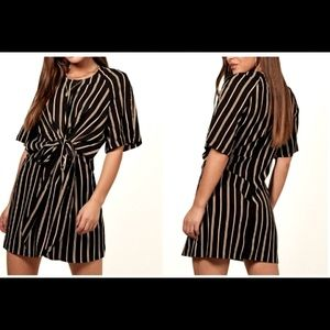 TOPSHOP FRONT TIE DRESS—NWT